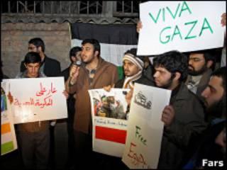 تظاهرات برابر دفتر نمایندگی مصر در تهران - فارس