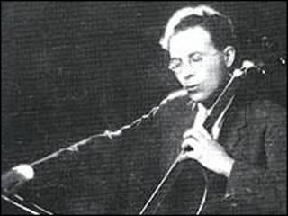 Аннетт Морро написала книгу про Фойєрмана на замовлення видавництва Йєльського університету.