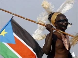 Sudanés del sur baila durante congregación política