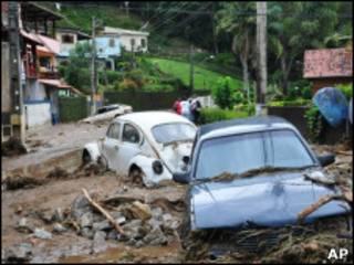Deslizamento em bairro de Teresópolis