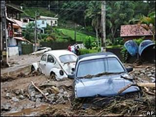 Mưa lớn gây lụt lội đất chuồi làm hơn 230 nguời chết ttại Brazil