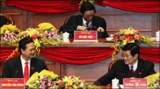 Hai ông Nguyễn Tấn Dũng và Trương Tấn Sang trong lễ khai mạc Đại hội XI