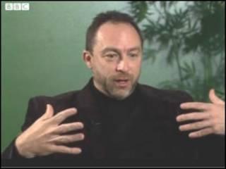 Создатель Википедии Джимми Уэльс