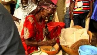 بائعة غذاء في افريقيا