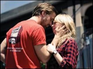 Ryan Gosling và Michelle Williams trong phim Blue Valentine