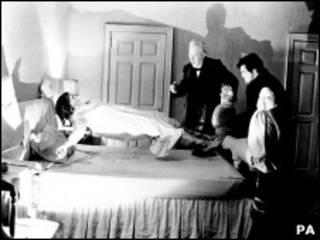 """Кадр из фильма ужасов """"Экзорцист"""" 1974 года"""