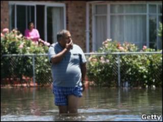 Вода на улице Хоршема