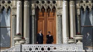 وزيرا الخارجية الروسي سيرغي لافروف والتركي احمد داوود اغلو عشية اللقاء في اسطنبول