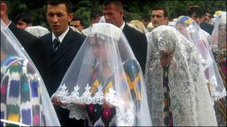 Таджикские невесты выходят замуж за иностранцев
