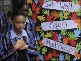 حمایت دانش آموزان مدرسه ای محلی از ماندلا