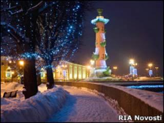 Ростральная колонна в Санкт-Петербурге