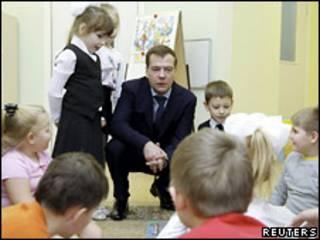 Дмитрий Медведев в детском саду