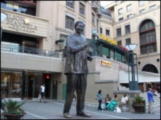 مجسمه ماندلا