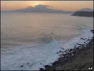 Кунашир - один из островов Большой Курильской гряды