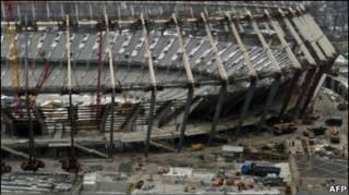 Реконструкція Олімпійського стадіону в Києві, січень 2011 року
