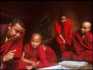 Бутанские монахи