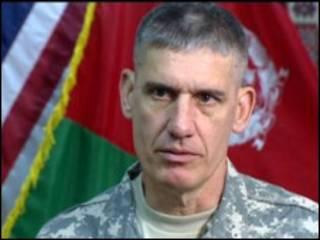 ژنرال دیوید رودریگز، معاون دیوید پترائوس، فرمانده عمومی نیروهای ناتو در افغانستان