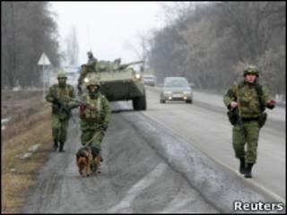 Милиционеры на трассе Малогобек - Назрань