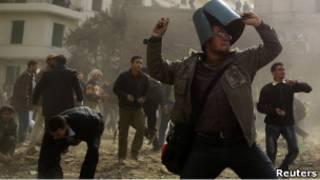 مواجهات في ميدان التحرير بين أنصار مبارك ومعارضيه