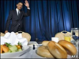 Президент США Барак Обама во время молитвенного завтрака