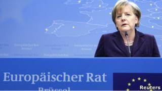 ميركل أمام الزعماء الأوروبيين في بروكسيل (04/02/11)