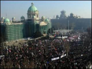 معترضان در بلگراد