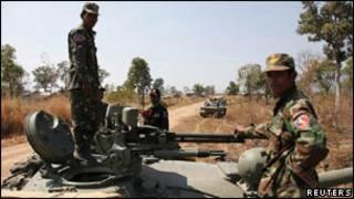 جنود من كمبوديا