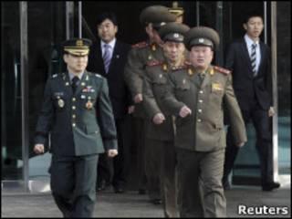 Полковники КНДР и Южной Кореи на переговорах