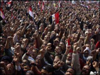 開羅解放廣場上示威者(08/02/2011)