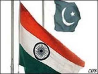 Bandeiras da Índia e do Paquistão
