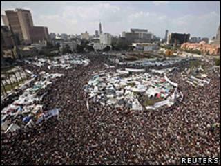 Protesto de sexta-feira na praça Tahrir, no Cairo (Reuters)