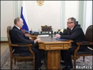 премьер Путин и глава ВТБ Костин