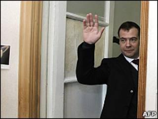 Президент Дмитрий Медведев в одной из российских школ