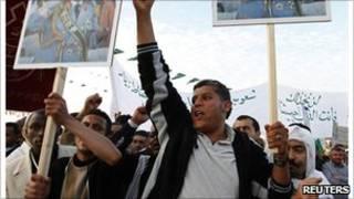 ليبيون ضد القذافي