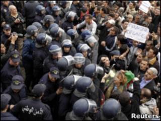 تظاهرات معترضان الجزایری