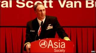 Phó Đô đốc Scott Van Buskirk trong buổi nói chuyện tại Hong Kong 21/02/2011