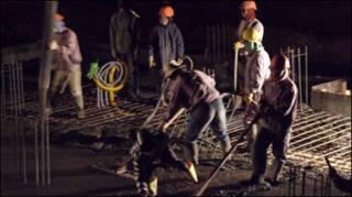 Lao động Việt Nam tại Libya (ảnh của báo Người Lao động)