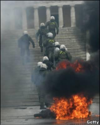 2010年希臘首都抗議示威演變成暴力