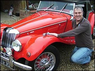 Michael Standen e o MG 1954 restaurado