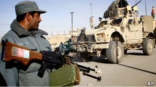 شرطي أفغاني