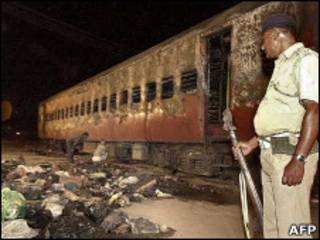 حادثه آتش سوزی در قطار هند