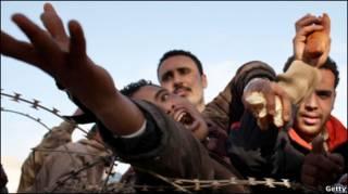 بین هفتاد تا هفتاد و پنج هزار نفر طی روزهای گذشته به تونس گریخته اند