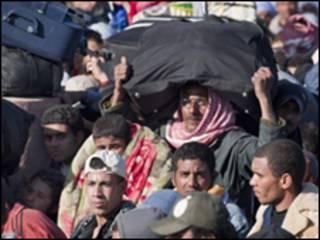 Qaxooti dalal badan oo ka cararaya Libya