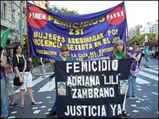 Marcha en contra de los femicidios