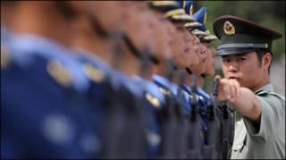 解放軍陸海空三軍儀仗隊(中新網資料圖片)
