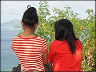 Kim y Maricel (no son sus nombres reales) se vieron obligadas a trabajar en chats de cibersexoen la ciudad de Olongapo