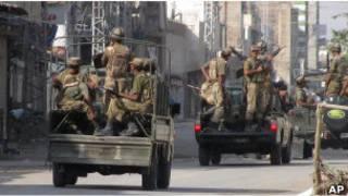 قوات باكستانية