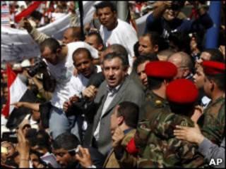 O novo premiê egípcio, Essam Sharaf