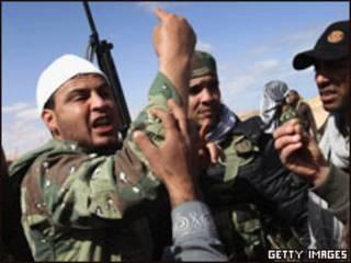 利比亞反對派武裝在前線