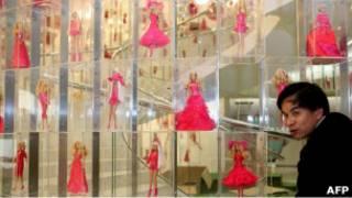 Витрина магазина Barbie в Шанхае